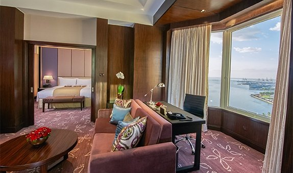 Diamond Hotel - Premier Executive Suite - 5 Star Hotels In The Philippines