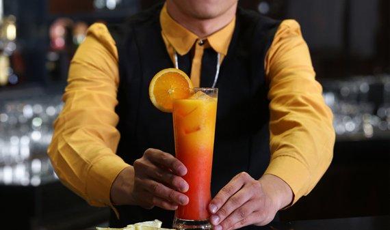 Diamond Hotel - Bar 27  - Resort In Manila Area