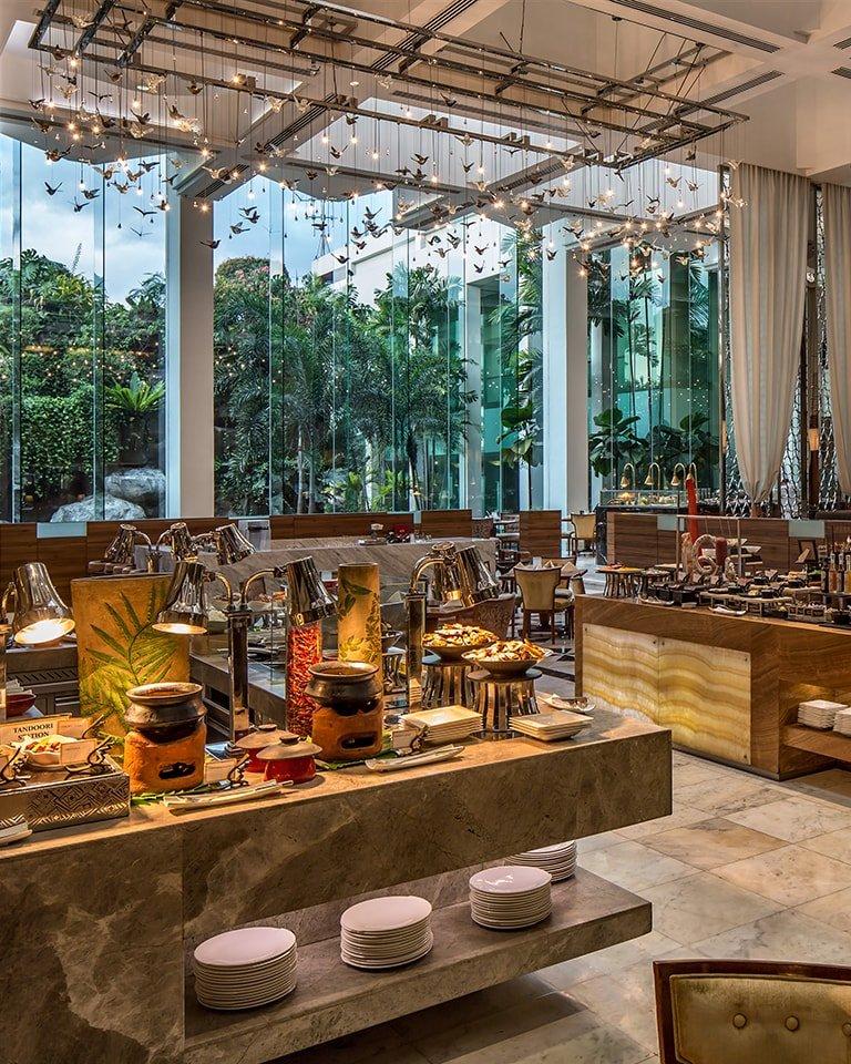 Diamond Hotel - Corniche - 5 Star Hotel In Philippines