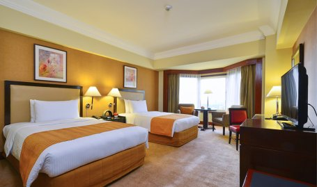 Diamond Hotel - Deluxe Room  - Hotels In Ermita Manila