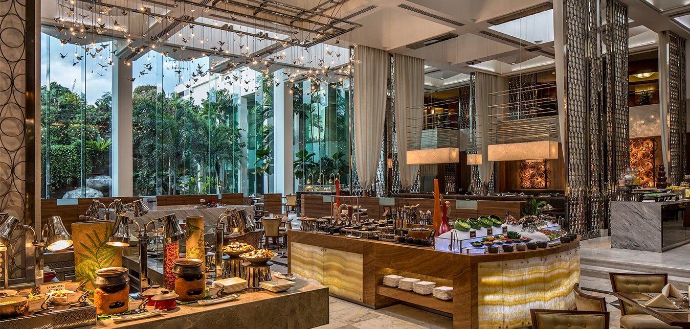Diamond Hotel - Corniche - Best Resorts Near Manila